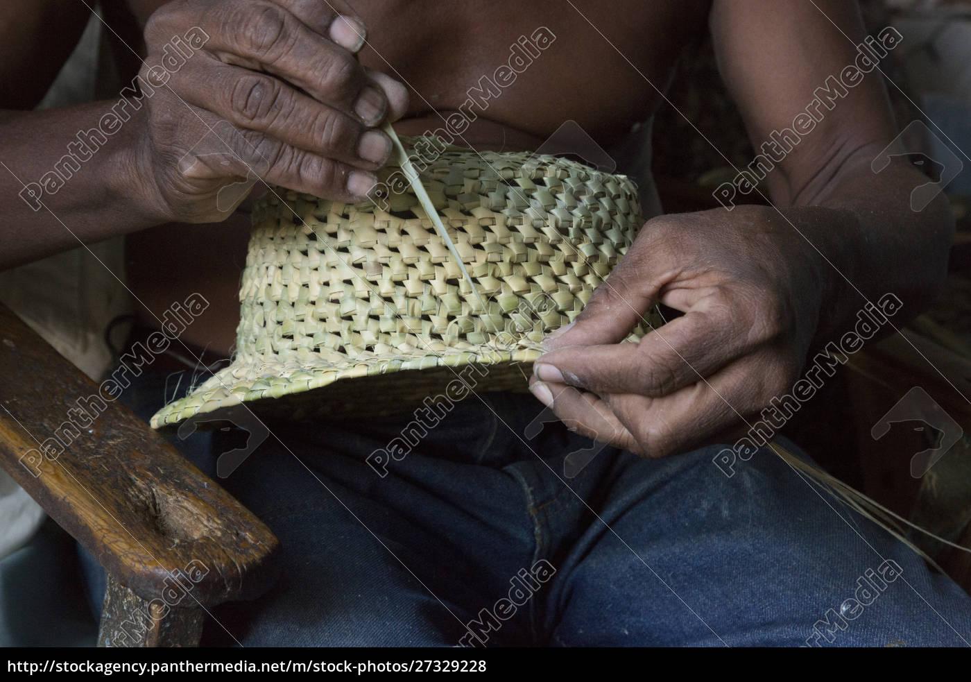 cuba, , trinidad, , hands, weaving, straw, hat - 27329228