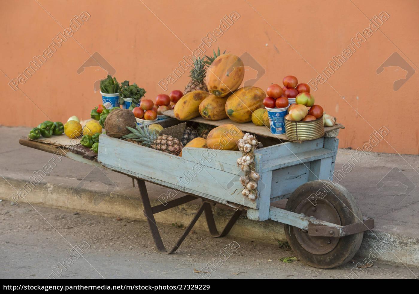 cuba, , trinidad, , wheelbarrow, with, fruit, and - 27329229