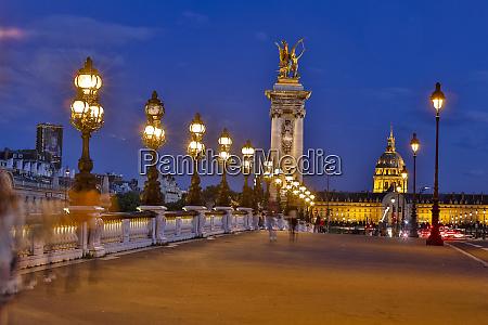 evening light pont alexandre iii bridge