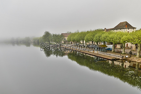 france cajarc early morning fog on