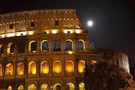 kolosseum grosse mond details rom italien