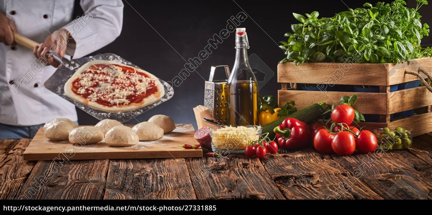 chef, in, einer, pizzeria, die, eine, italienische - 27331885