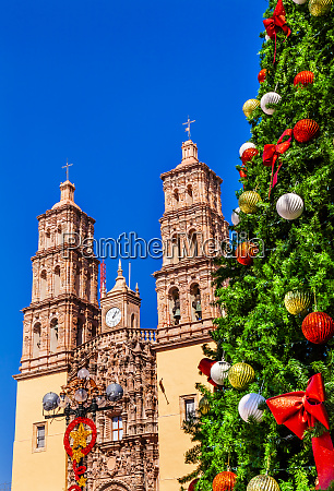 christmas tree decorations parroquia catedral dolores