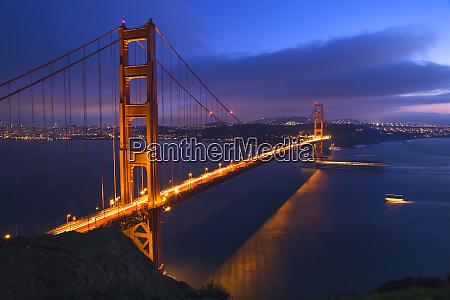 golden gate bridge at night with
