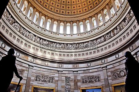 rotunda us capitol dome und statuen