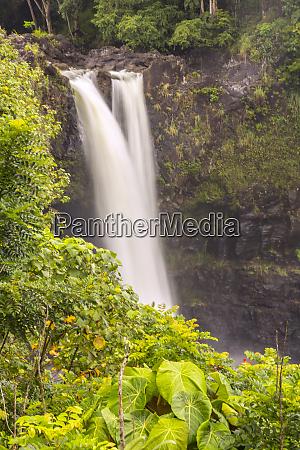 usa hawaii rainbow falls waterfall and