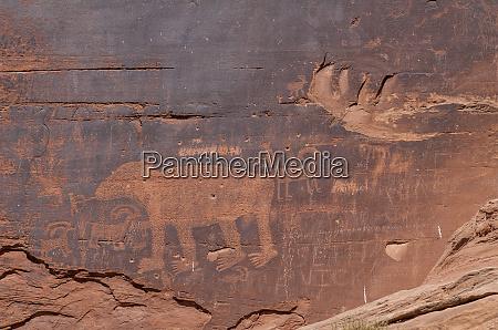 petroglyphs rock art arches national park