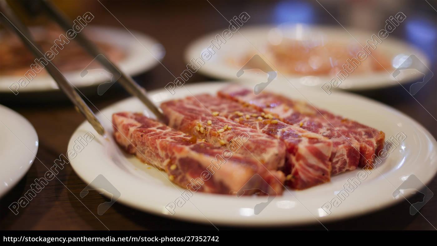 japanischer, fleischgrill, im, restaurant - 27352742