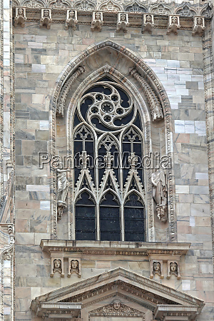 milan cathedral window