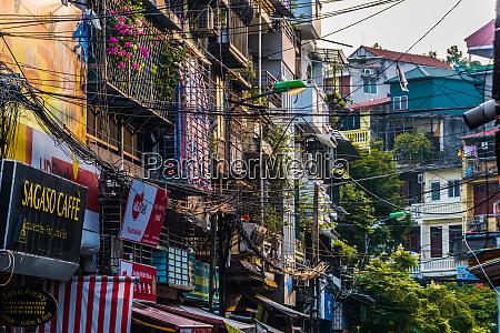 strassenansicht der altstadt von hanoi vietnam