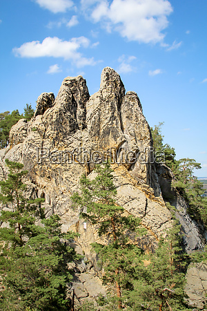 harz berge sandsteinfelsen bilden eine wunderschoene