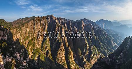 luftaufnahme der huangshan berge china