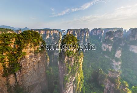 luftaufnahme der avatar berge zhangjiajie nationalpark