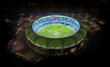 luftaufnahme des internationalen cricket stadions waehrend