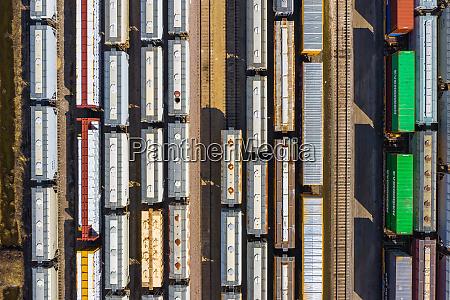 luftaufnahme, von, eisenbahngüterwagen - 27453457