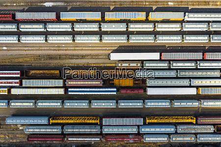 luftaufnahme, von, eisenbahngüterwagen - 27453460