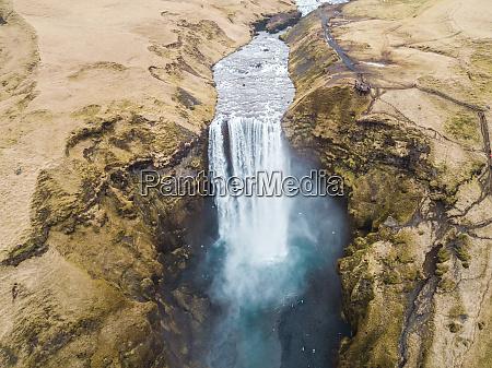 luftaufnahme des wasserfalls von skegafoss
