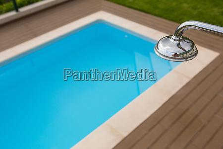 schwimmbad blaues wasser