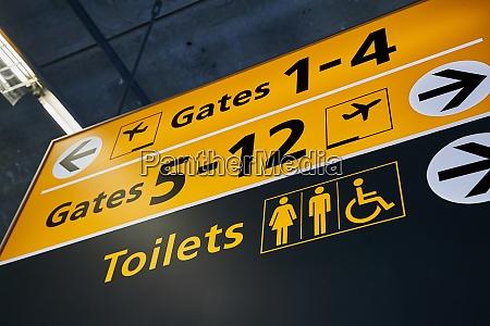 toiletten und torschilder die richtung weisen