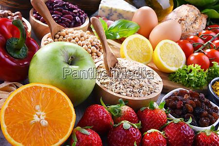 zusammensetzung mit verschiedenen bio lebensmitteln auf