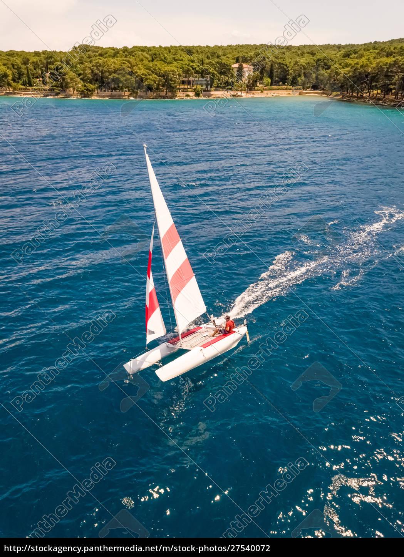 luftaufnahme, des, segelbootes, in, der, nähe - 27540072