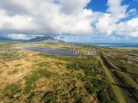 luftaufnahme des solarmodulkraftwerks anahola kauai hawaii