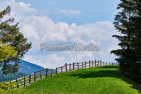schoene landschaft von suedtirol italien