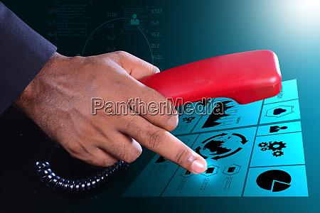 mann hand mit telefon kommunikationskonzept