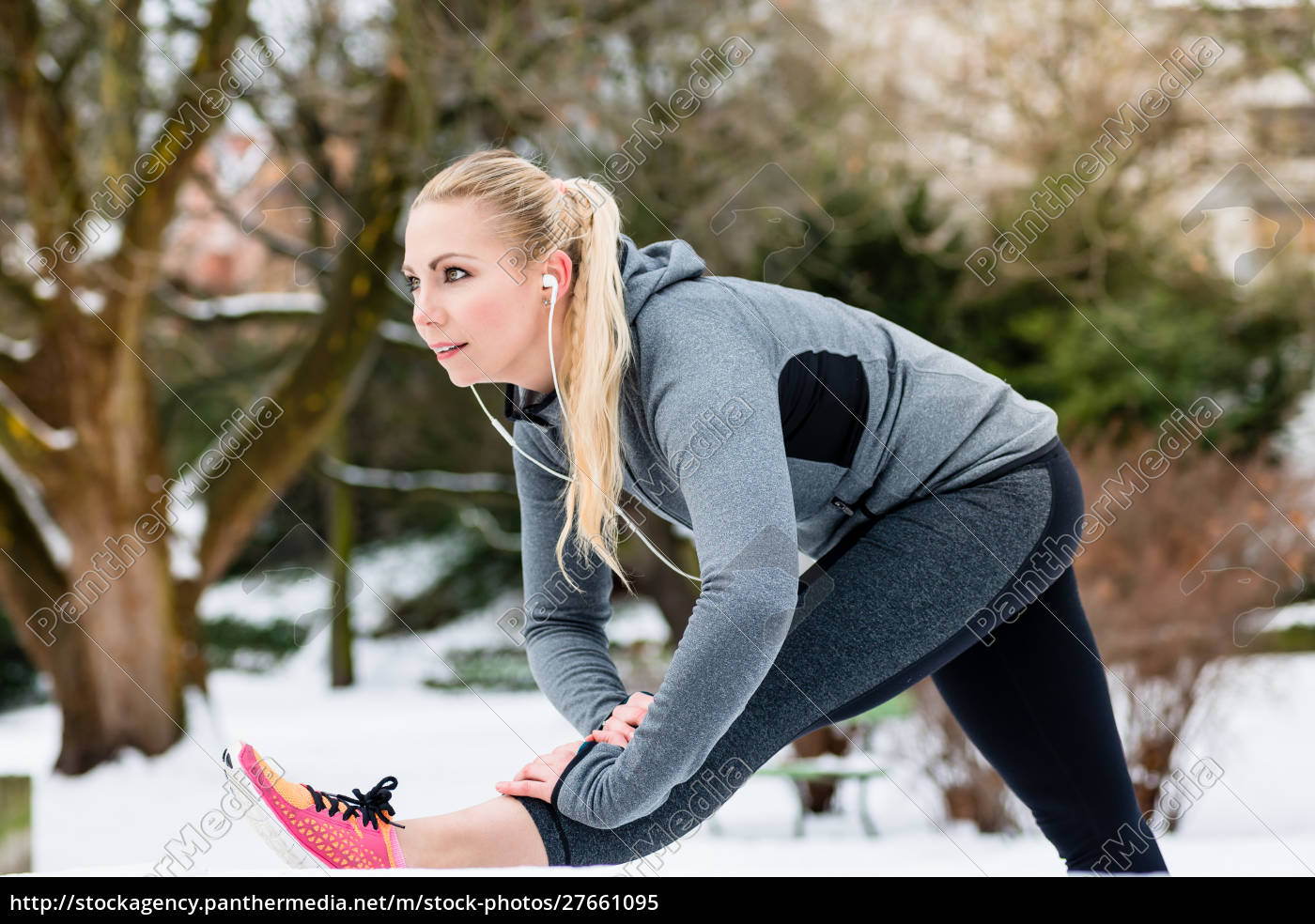 woman, doing, outdoor, sports, stretching, her - 27661095