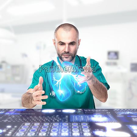 doctor verwendet augmented reality um anatomische