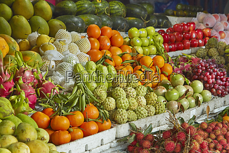 fruit stall central market hoi an
