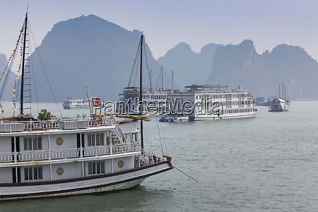vietnam halong city halong bay tour