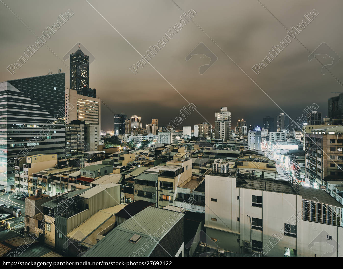 panoramic, view, of, modern, highrise, buildings - 27692122