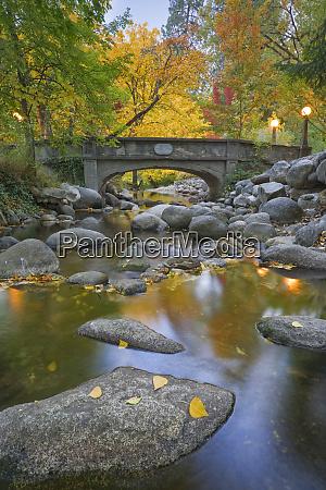 usa oregon ashland lithia park autumn