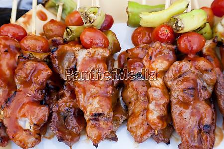 chicken kebabs wochenendmarkt bangkok thailand
