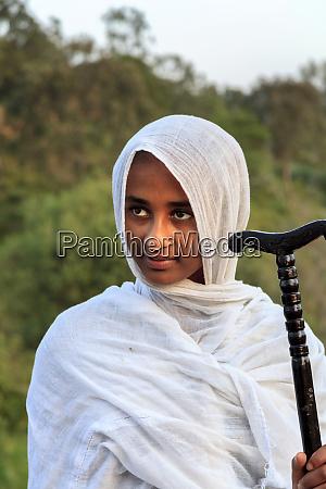 farmer girl on pilgrimage to bet