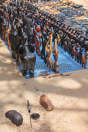 afrika gambia banjul schuhpolitur zum faerben