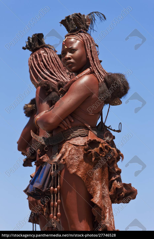himba-stämme, kaokoland, namibia - 27746528