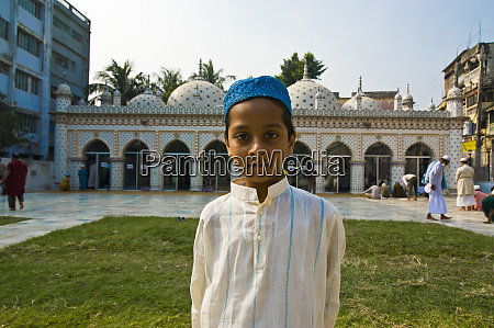 young muslim boy before the sitara