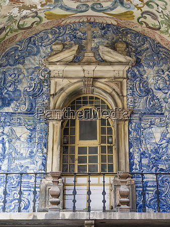 wall with azulejo in the main