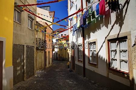 portugal lissabon bunte alfama nachbarschaft