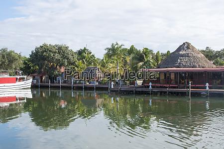placencia belize roberts grove resort marina