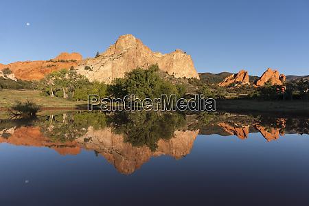 usa colorado colorado springs sandstone cliff