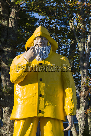 usa maine boothbay harbor wooden statue