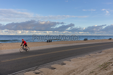 road bicycling along lake michigan near