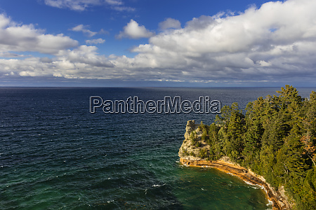 miners castle on lake superior in