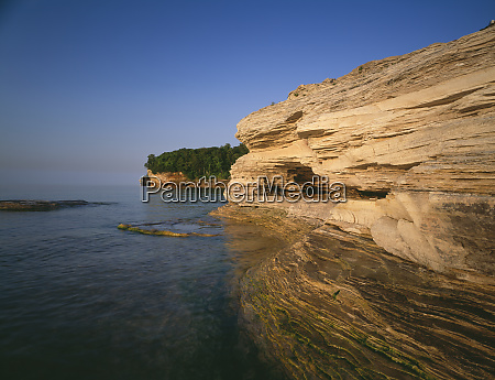 rock cliffs along the michigan shoreline