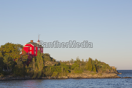 michigan marquette marquette harbor lighthouse bulit
