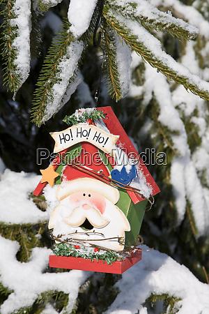 weihnachtsmann vogelhaus im winter marion illinois