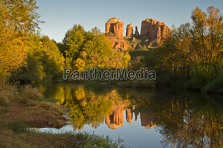 sunset reflections oak crek cathedral rock